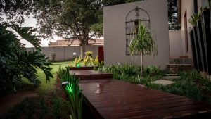 Diamond Rose Guest House - Peaceful Garden - Middelburg Accommodation