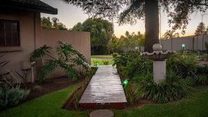 Diamond Rose Guest House - Peaceful Garden - Middelburg Accommodation