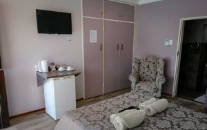 Diamond Rose Guest House - Middelbuerg Accommodation Room 04